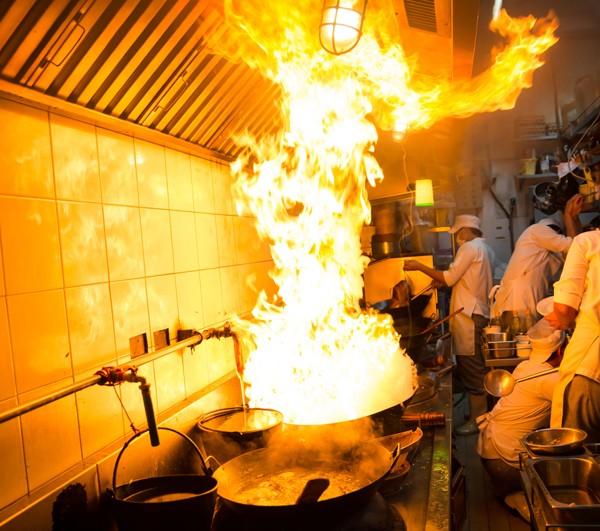 Limpieza campana cocina restaurante madrid y le n tdm for Presupuesto cocina industrial